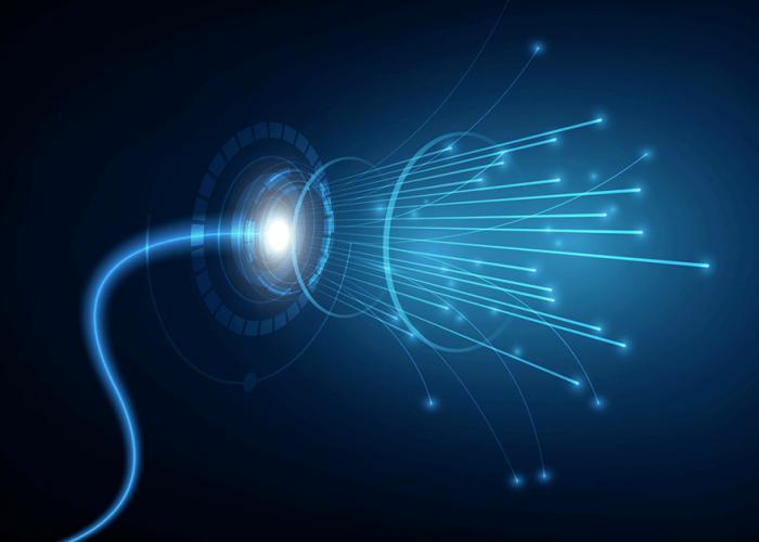 O que é internet via fibra óptica?